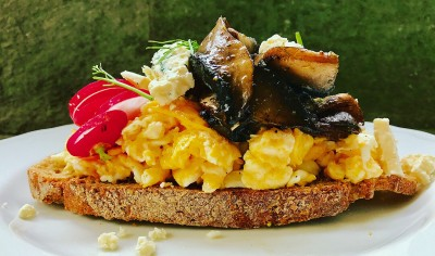 Scrambled Eggs, Mushrooms, Gorgonzola